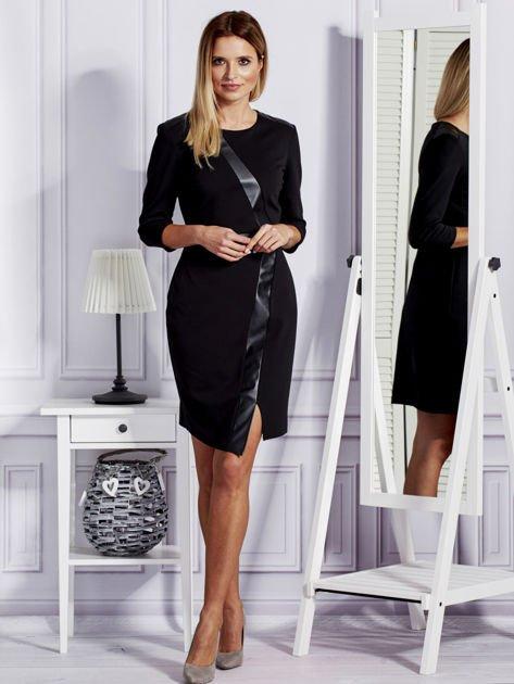 Czarna sukienka ze skórzanymi modułami                              zdj.                              4