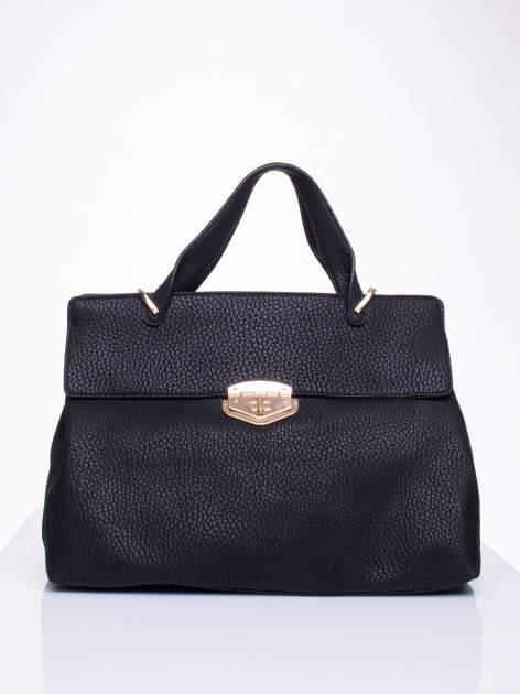 Czarna torba do ręki z klamerką                                  zdj.                                  1
