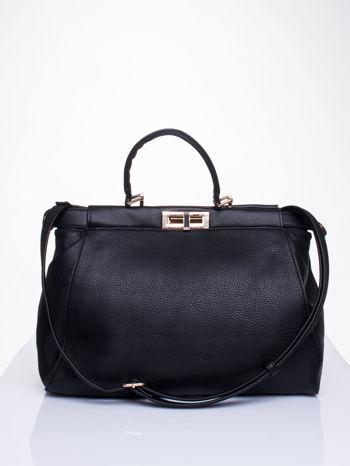 Czarna torba kuferek zapinana na zatrzask                                  zdj.                                  1