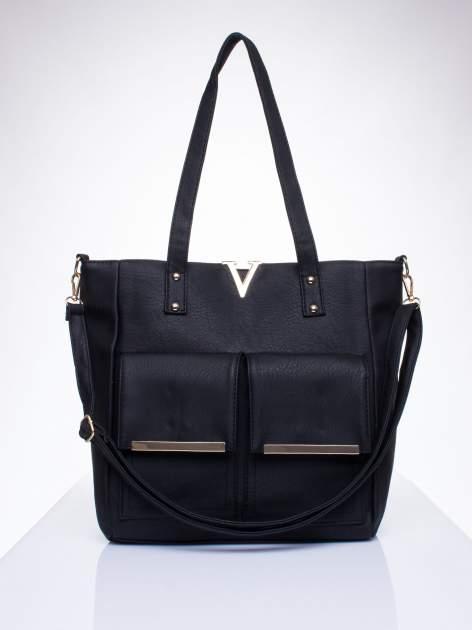 Czarna torba shopper bag ze kieszeniami na klapki                                  zdj.                                  1