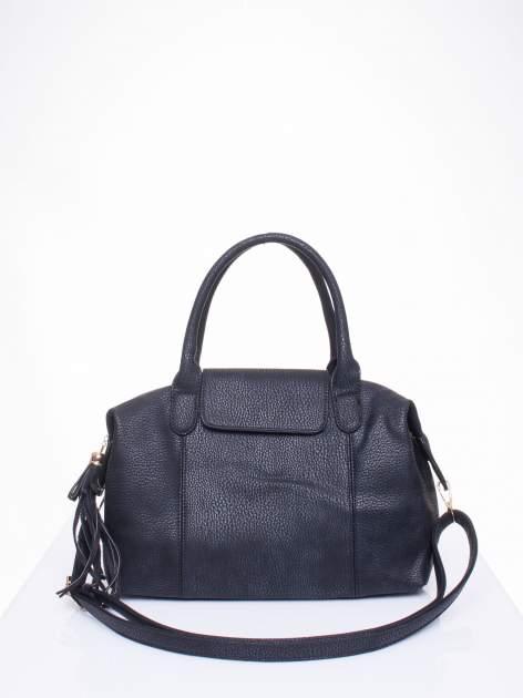 Czarna torba z klapką i odpinanym paskiem                                  zdj.                                  1