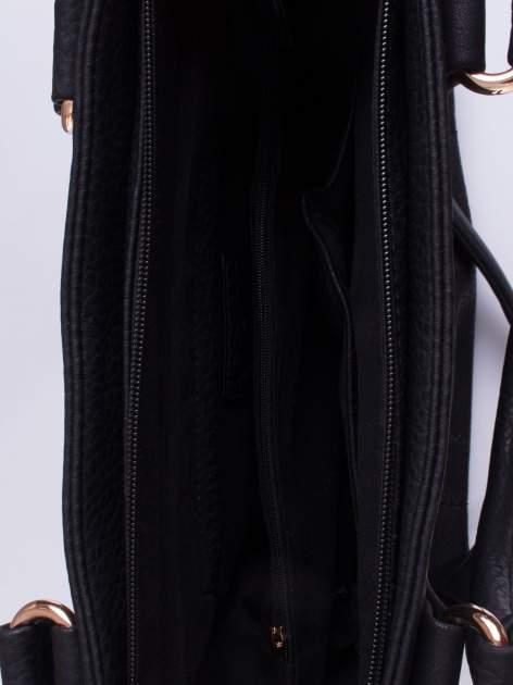 Czarna torba z łańcuszkowym odpinanym paskiem                                  zdj.                                  4