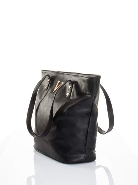 Czarna torba ze złotym detalem                                  zdj.                                  4