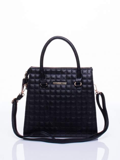Czarna torebka kuferek z pikowaniem                                  zdj.                                  1
