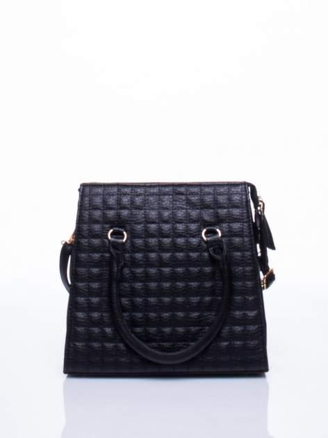 Czarna torebka kuferek z pikowaniem                                  zdj.                                  2