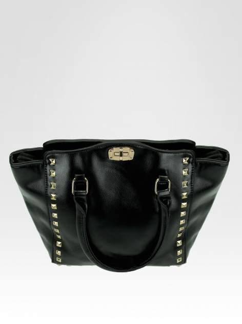 Czarna torebka na ramię z dżetami                                  zdj.                                  9