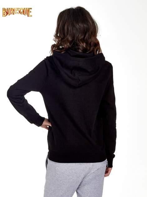 Czarna zasuwana bluza z kapturem z nadrukiem numerycznym                                  zdj.                                  3