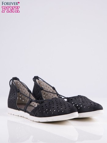 Czarne ażurowe sandały wiązane wokół kostki                                   zdj.                                  3