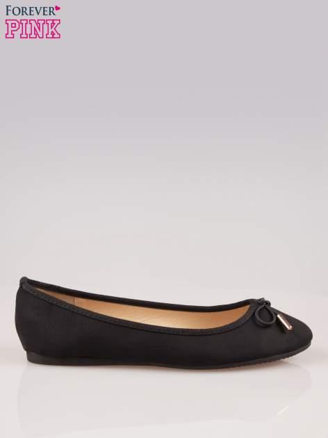 Czarne balerinki faux leather Amber z ozdobną kokardką                                  zdj.                                  1