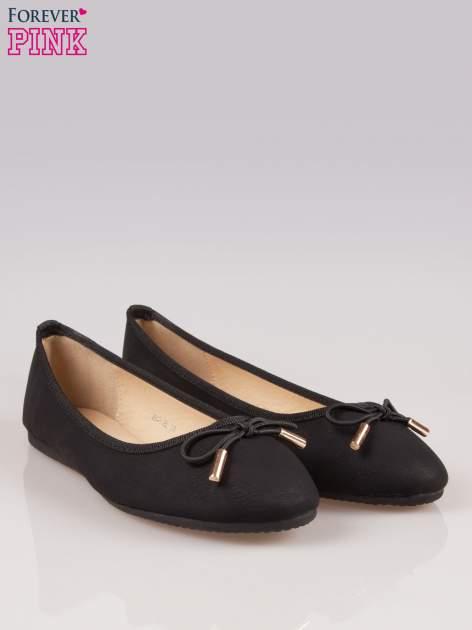 Czarne balerinki faux leather Amber z ozdobną kokardką                                  zdj.                                  2