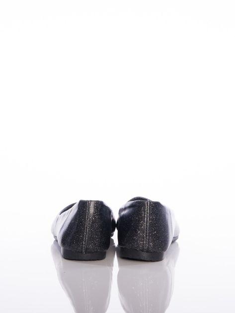 Czarne baleriny Sabatina z mieniącymi drobinkami na cholewce                              zdj.                              3