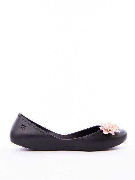 Czarne baleriny ZAXY z kwiatkami na przodzie cholewki                               zdj.                              1