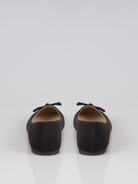 Czarne baleriny faux leather classic z kokardką i lakierowanym noskiem                                  zdj.                                  3