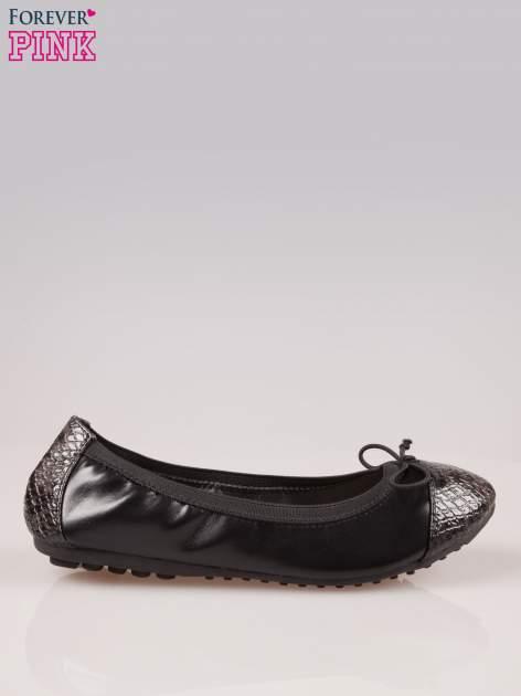 Czarne baleriny faux snake leather na gumkę z wężowym noskiem                                   zdj.                                  1
