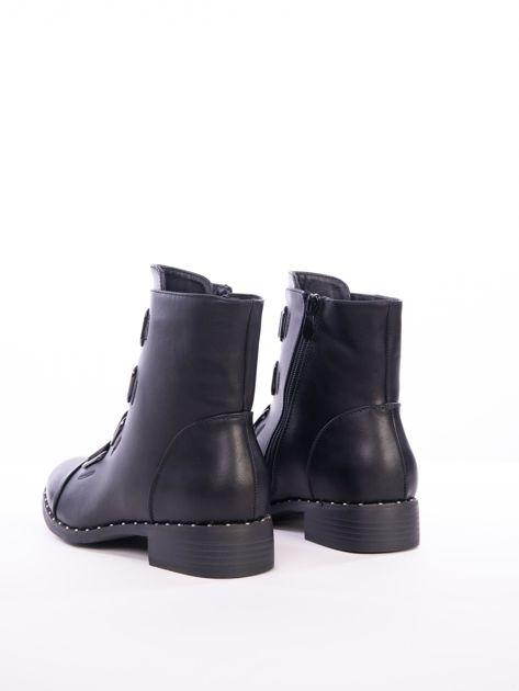 Czarne botki za kostkę z gumkami na przodzie                               zdj.                              3