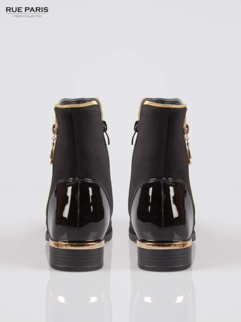 Czarne botki ze złotym zamkiem i obcasem i lakierowanym czubkiem                                  zdj.                                  3