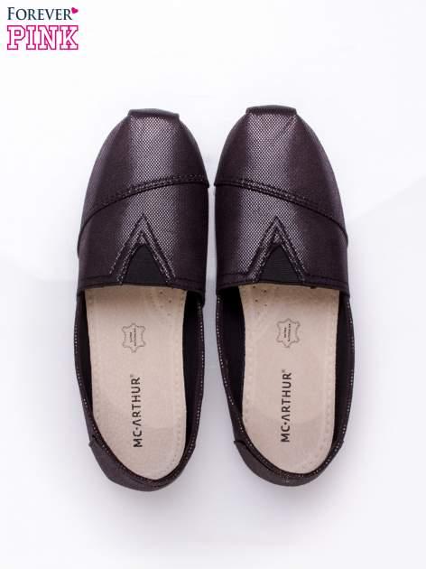 Czarne buty sliponki z efektem skóry jaszczurki Halo                                  zdj.                                  6