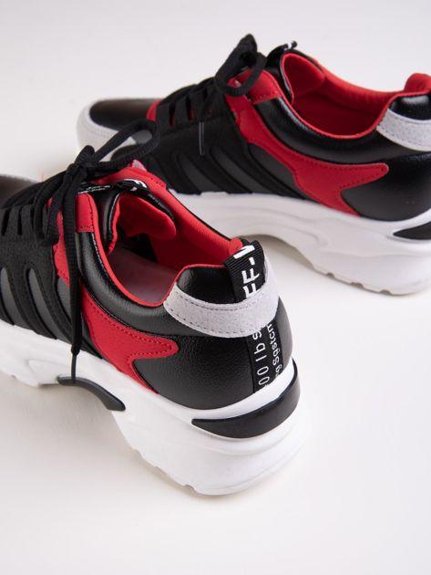 Czarne buty sportowe ze skórzanymi czerwonymi wstawkami                               zdj.                              3