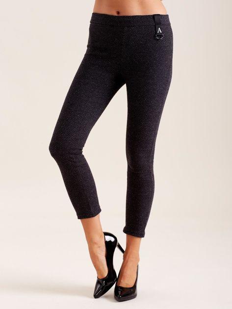 Czarne damskie spodnie we wzory                              zdj.                              1
