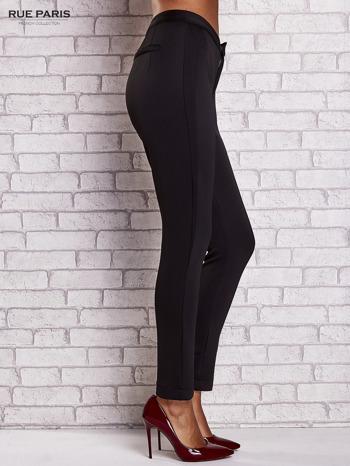 Czarne dopasowane spodnie z siateczkowym pasem                                  zdj.                                  3