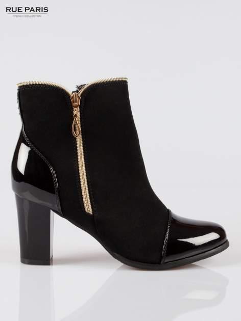 Czarne eleganckie botki na słupku z lakierowanym noskiem i złotym suwakiem                                  zdj.                                  1