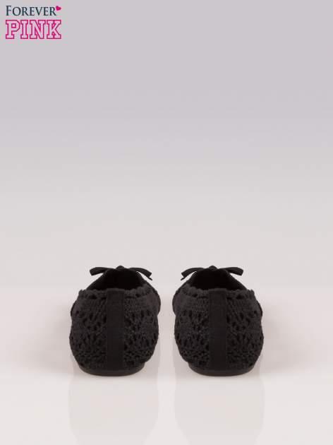 Czarne koronkowe baleriny w stylu romantycznym                                  zdj.                                  3
