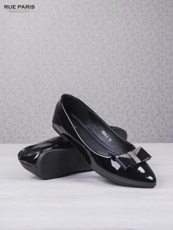 Czarne lakierowane baleriny shiny Princess z kokardką i srebrnymi cekinami                                  zdj.                                  3