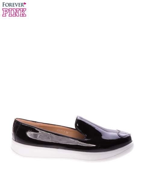Czarne lakierowane buty slippersy na platformie