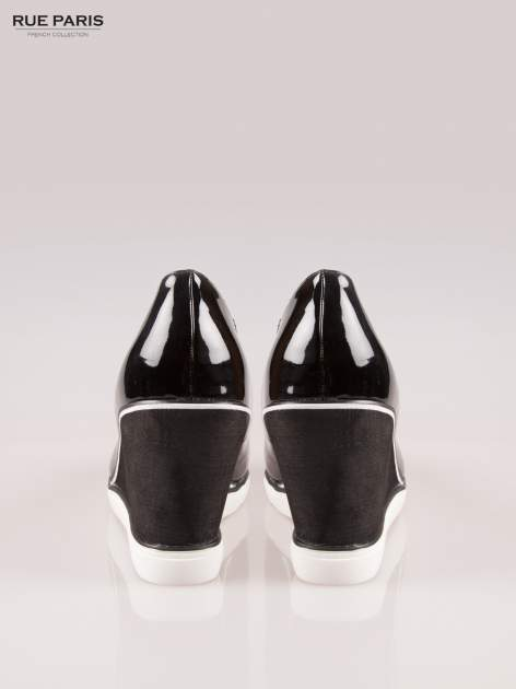 Czarne lakierowane koturny faux leather Maya peep toe                                  zdj.                                  3