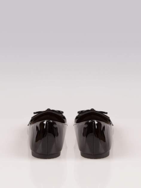 Czarne lakierowane lordsy faux leather Miracle z kokardką                                  zdj.                                  3