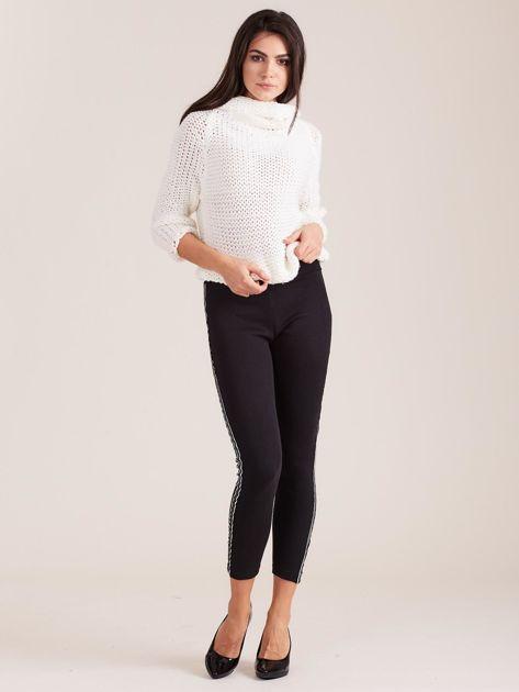 Czarne legginsy damskie z kolorową taśmą                               zdj.                              4