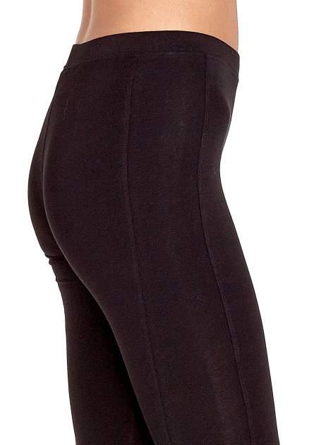 Czarne legginsy sportowe z drapowaniem                                  zdj.                                  5