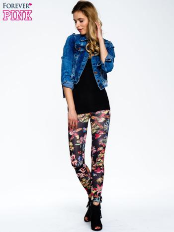 Czarne legginsy w kwiaty                                  zdj.                                  2