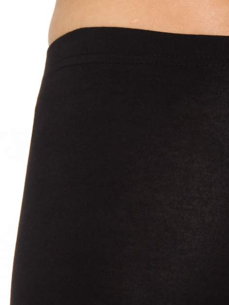 Czarne legginsy z nadrukiem serduszek z tyłu nogawek                                  zdj.                                  5