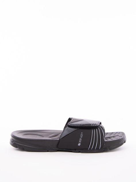 Czarne męskie klapki basenowe z białymi paskami                              zdj.                              1
