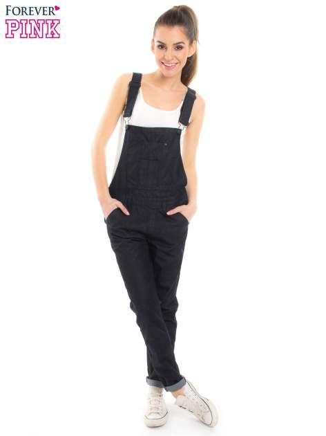 Czarne ogrodniczki jeansowe z kieszeniami                                  zdj.                                  2
