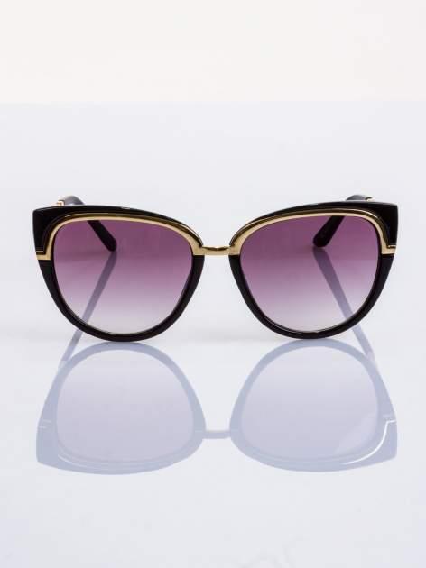 """Czarne okulary przeciwsłoneczne """"KOCIE OCZY"""" ze złotym eleganckim zdobieniem u góry soczewki"""