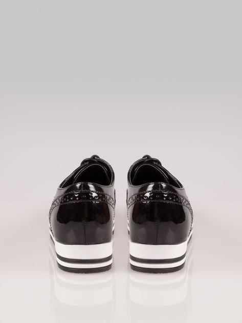 Czarne półbuty typu oxfordy Andrea w sportowym stylu                                  zdj.                                  3