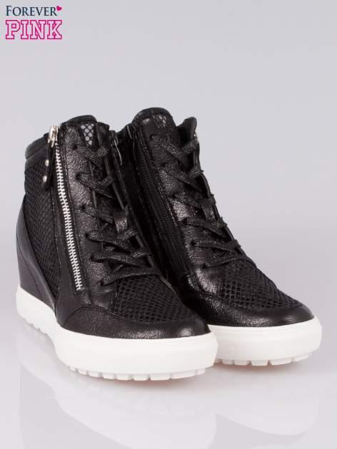 Czarne sneakersy damskie z wężową siateczką Martina                                  zdj.                                  2