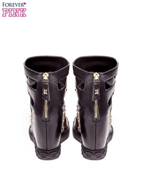 Czarne sneakersy ze złotymi elementami                                  zdj.                                  3