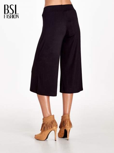 Czarne spódnicospodnie typu culottes                              zdj.                              2