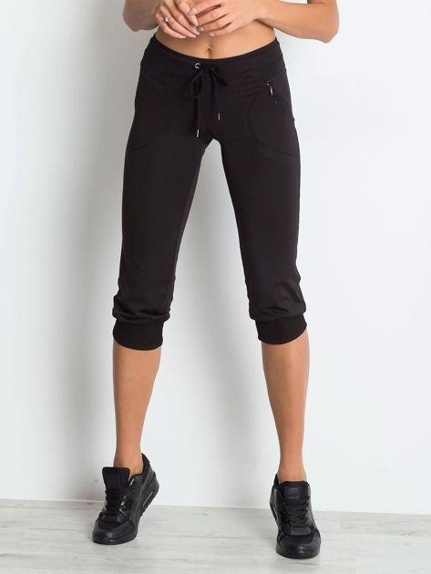 Czarne spodnie capri z kieszonką                                   zdj.                                  3
