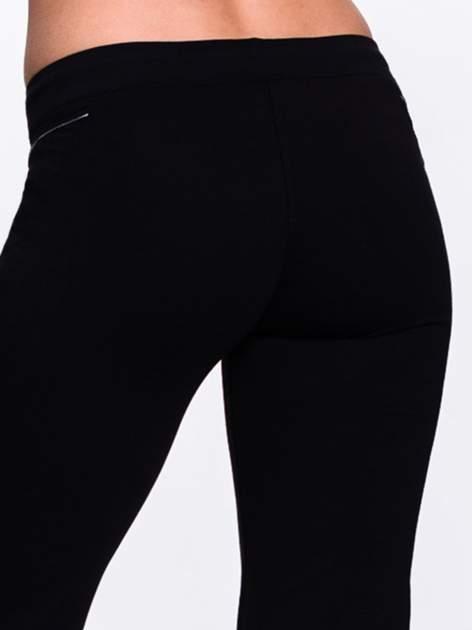 Czarne spodnie dresowe z siateczką                                  zdj.                                  7