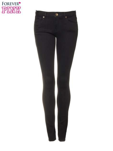 Czarne spodnie jeansowe rurki                                   zdj.                                  5