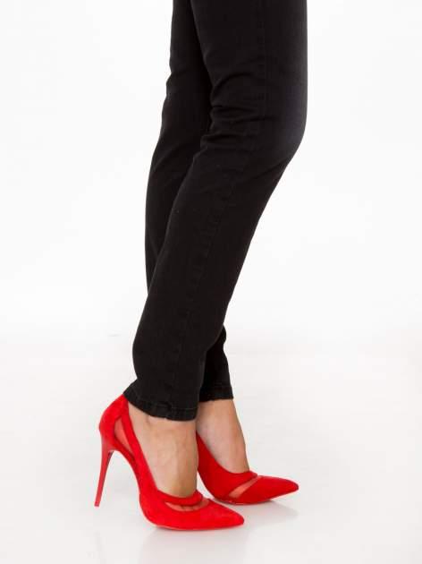 Czarne spodnie jeansowe rurki                                  zdj.                                  8