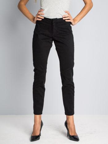 Czarne spodnie materiałowe z przeszyciami na kolanach                                  zdj.                                  1