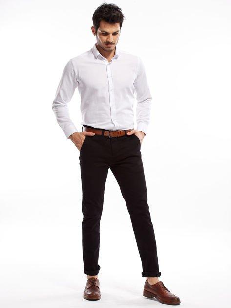 Czarne spodnie męskie chinosy o prostym kroju                              zdj.                              7