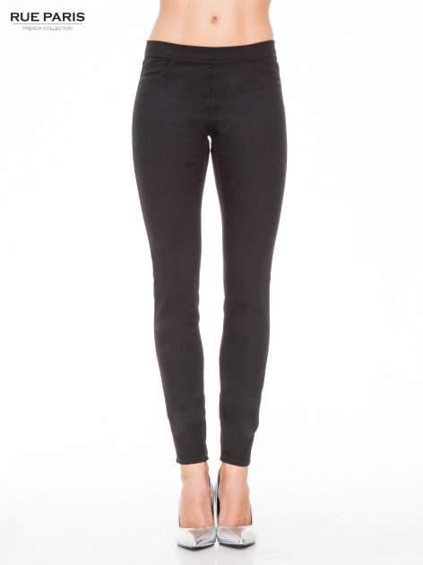 Czarne spodnie typu tregginsy z kieszeniami