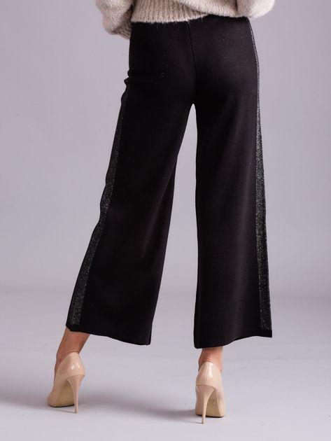 Czarne szerokie spodnie z dzianiny                              zdj.                              2