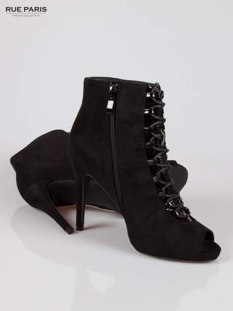 Czarne sznurowane botki faux suede Trish open toe                                  zdj.                                  4